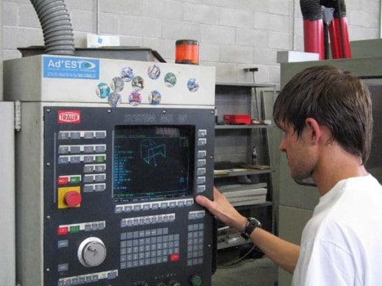 Mengenal Dasar-Dasar Programmable Logic Controller (PC) Untuk Pabrik