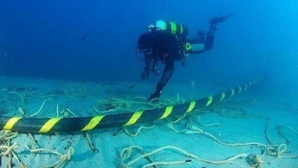Masyarakat Papua Kini Bisa Nikmati Akses Internet Melalui Jaringan Fiber Optik