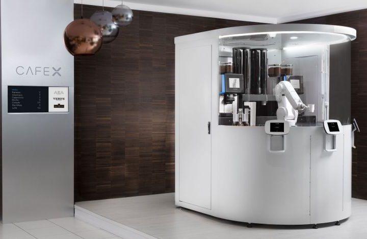 Keluar Dari Kampus, Seorang Pemuda Berhasil Ciptakan Kafe Dengan Robot Barista